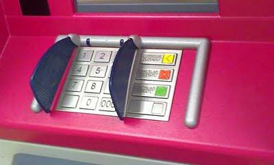 Teclado confidencial en cajero automático