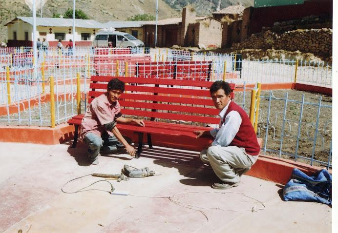 Jaime Ramos y su hermano haciendo obras de culminacion del Parque