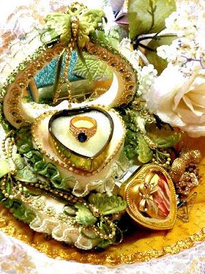 http://2.bp.blogspot.com/_dvRa16xpVHU/Sbs86QobM4I/AAAAAAAAASw/WJhJnEAU7b0/s400/cincin+kahwin.jpg