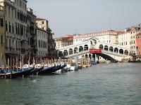 Puente Rialto desde el canal, Venecia