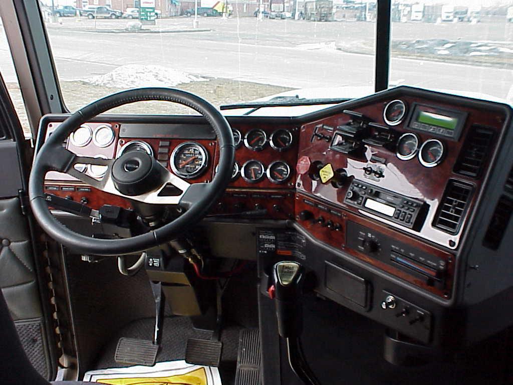 Armadora Tijuana 2001 Freightliner Classic Clasico