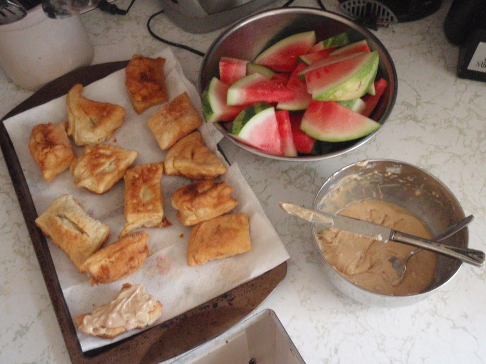 Paxton peleton summertime staples for Next kuchen handler