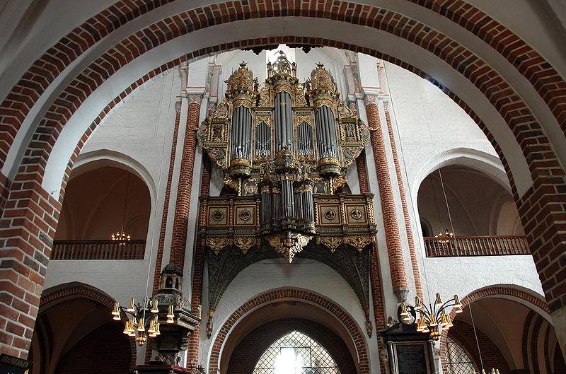 Roskilde_kathedraal_8.jpg