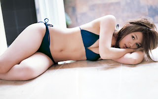 1440x900 bikini Girl Wallpaper