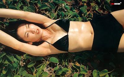Kelly Lin in black bikini image