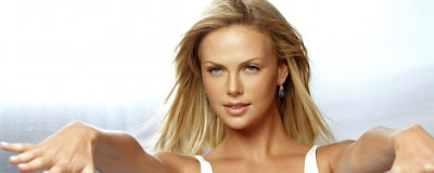 Charlize Theron dualmonitor wallpaper