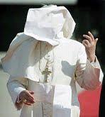 """Bento XVI reconhece (finalmente) que existe uma """"conspiração interna"""""""