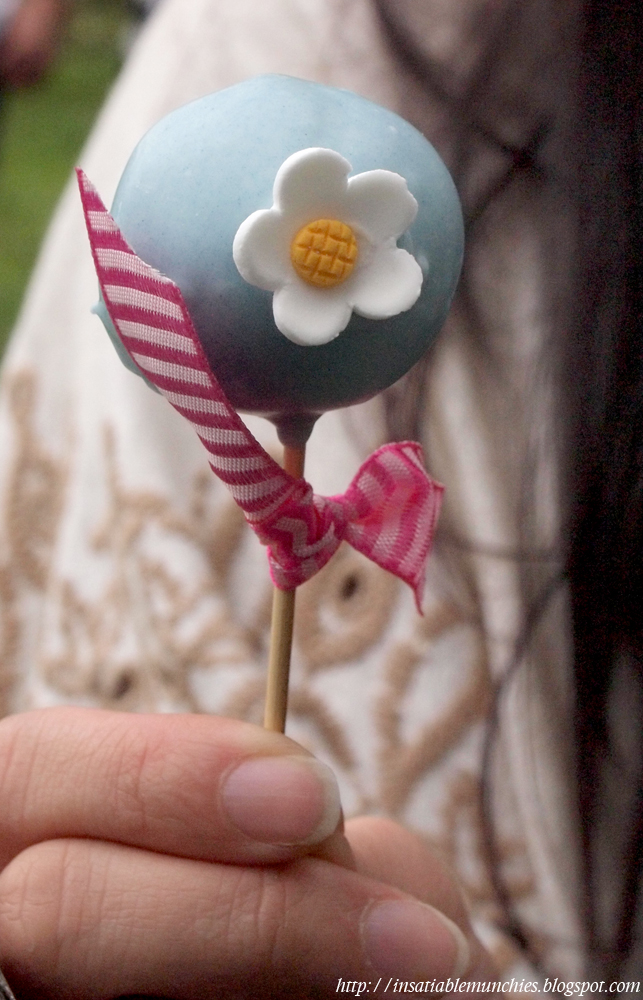 Cake pop from Sugarlace