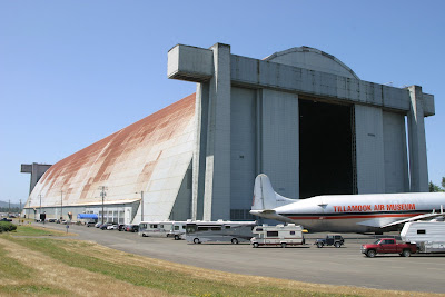 2008-07-09_06_US101_Tillamook Air Museum_OR_b.jpg