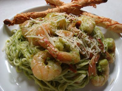 What's Cookin, Chicago: Shrimp & Spinach Basil Pesto Pasta