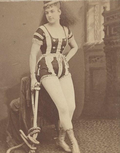 Jack 39 s victorian actresses leona dare for Tattoo freak costume