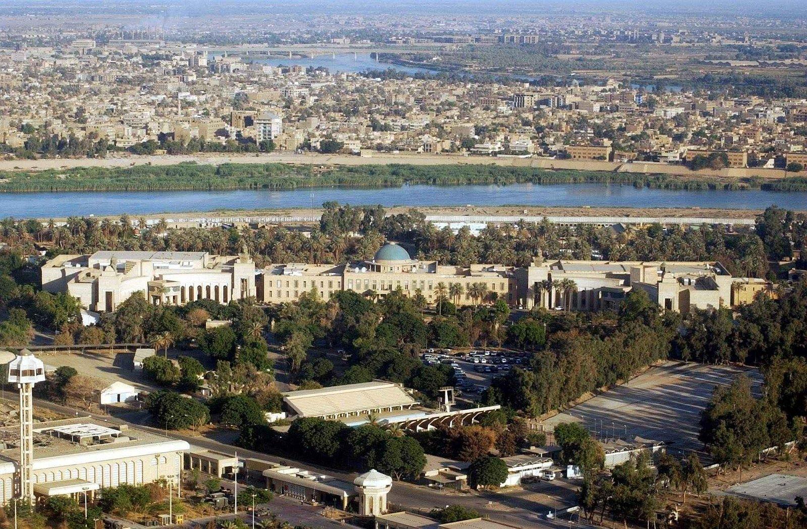 http://2.bp.blogspot.com/_e45GK4i1E8M/TRdwGXVouwI/AAAAAAAACh4/92qqhSC_fn0/s1600/Iraq_Baghdad_.jpg