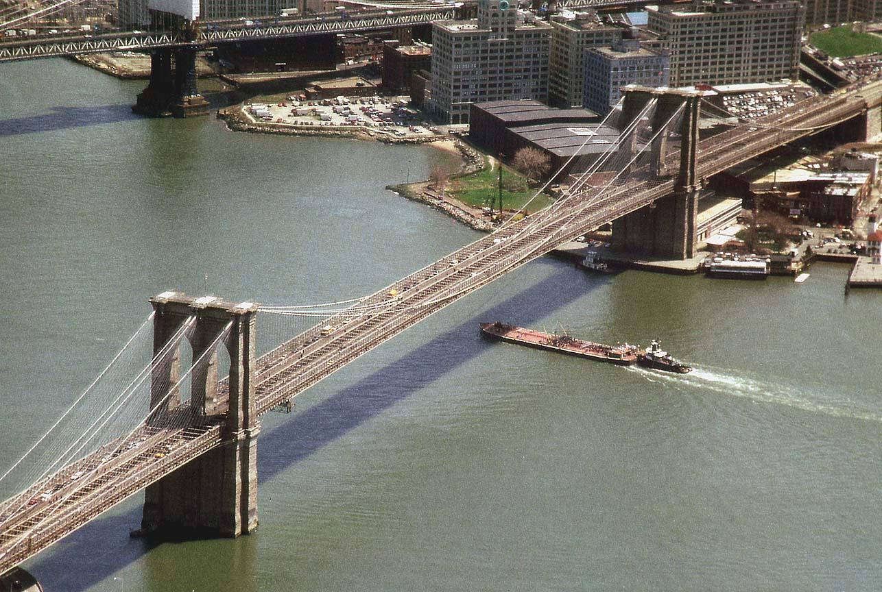http://2.bp.blogspot.com/_e45GK4i1E8M/TS38yWCJpYI/AAAAAAAADM4/j84WtXIJSLU/s1600/New_York_city_World_Trade_Center.jpg