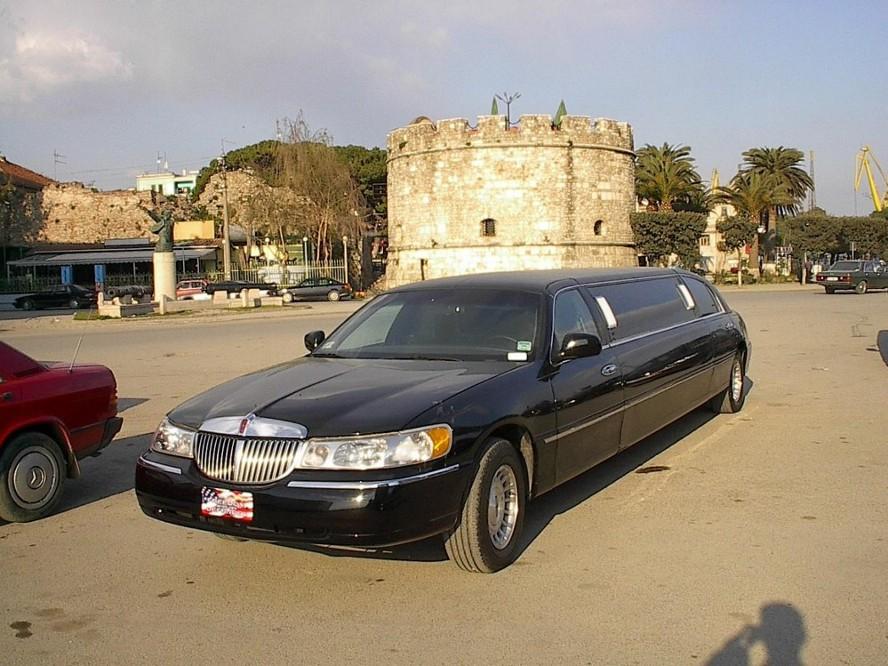 http://2.bp.blogspot.com/_e47UsKon8ic/S5AtJ8qkMCI/AAAAAAAAADA/uIzqpHd4YsE/s1600/limusine4ix.jpg