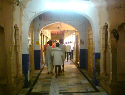 The hallway leading upto the Salasar Balaji Temple 