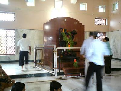 Idol of Dakshinmukhi Hanuman Mandir - Shirdi