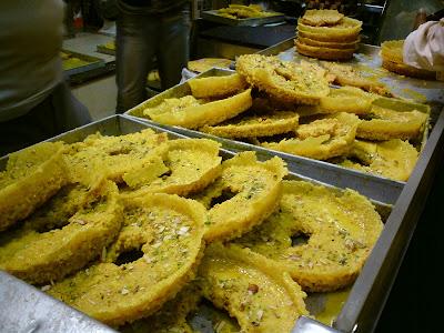 Ghewar, a special sweet dish of Jaipur