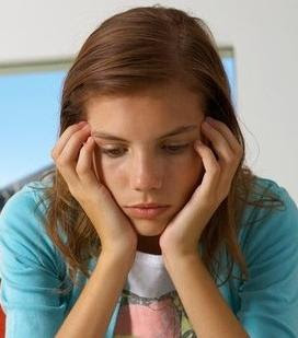 ... adolescentes a través de las transformaciones profundas que ellos