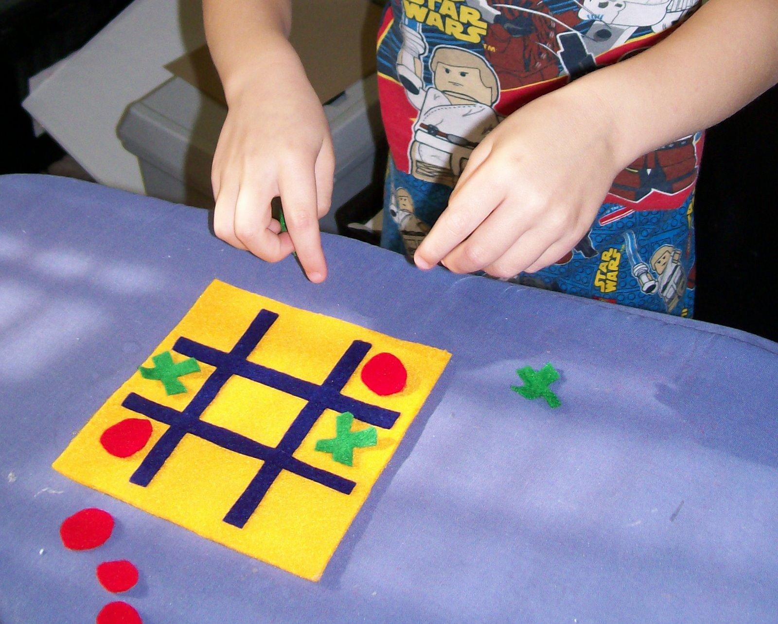 Serving Pink Lemonade: Gifts Kids Can Make: Tic-Tac-Toe