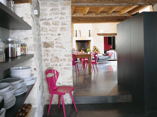 Decorando la francesa uma fazenda transformada em casa for Separation entre cuisine et salle a manger