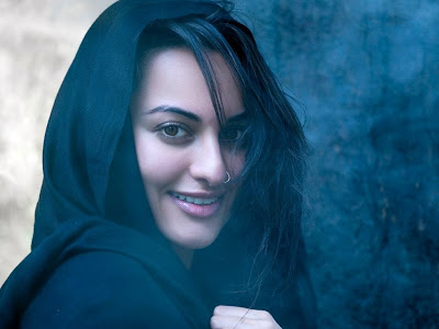 Sonakshi Sinha Wallpapers in sari