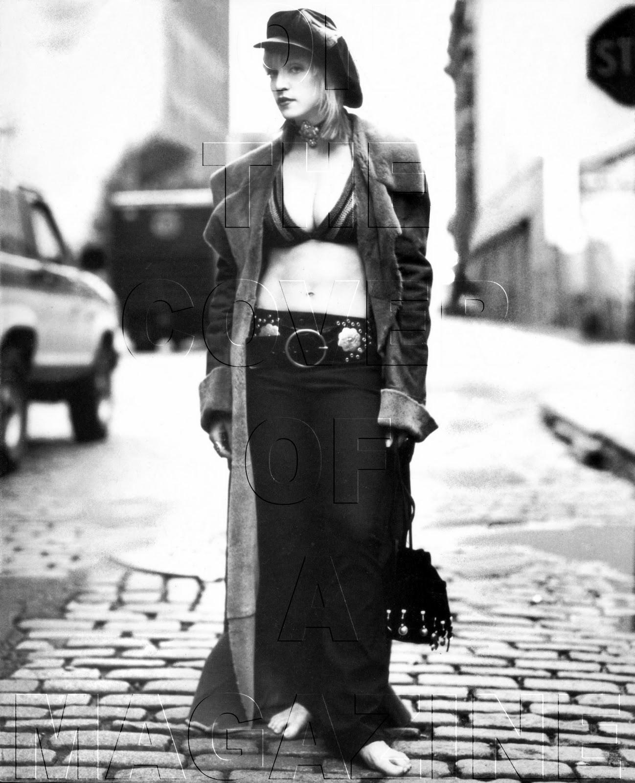 http://2.bp.blogspot.com/_eA7ZafYKvfU/TMztO-YSuOI/AAAAAAAAEKc/yw_-bwwqohU/s1600/1992+Steven+Meisel+(Vogue+Italy+Nov+92)+copy.jpg