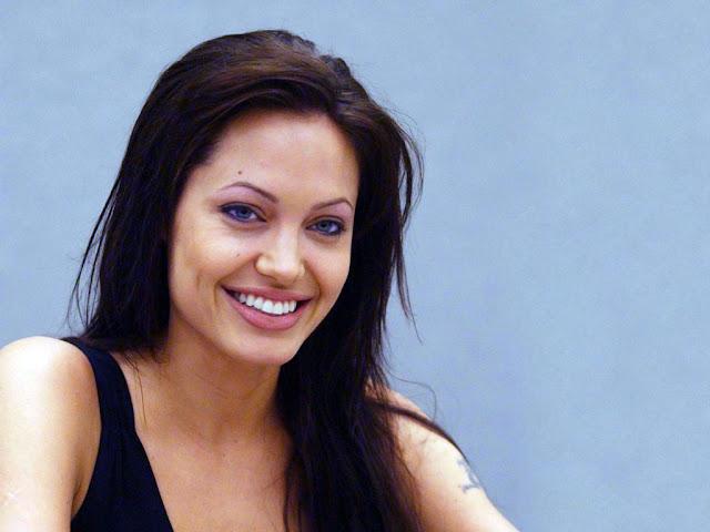 Angelina-Jolie-Wallpapers-103