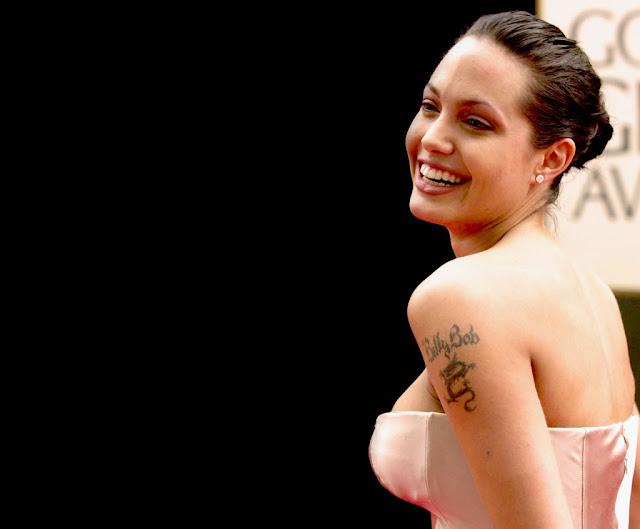 Angelina-Jolie-Wallpapers-107