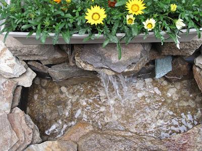House blend diy patio pond for Outdoor plastic ponds