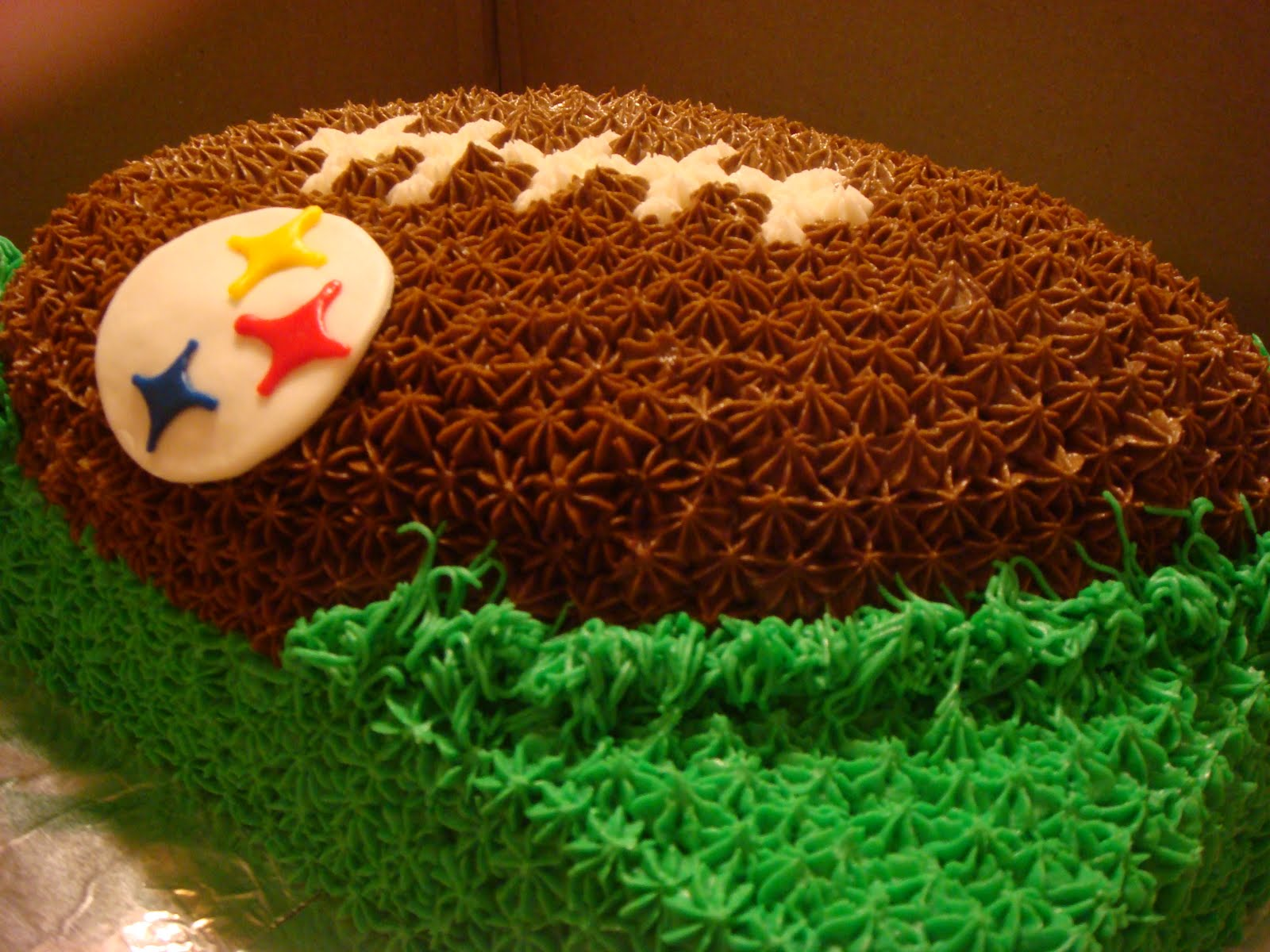 cool football cakes