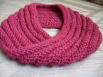 the knitted mobius hat