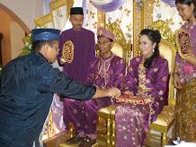 upacara merenjis di rumah pengantin perempuan