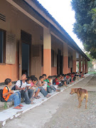 Compassion children eating lunch