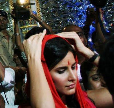 Katrina at the Mumbai Lalbaug Ganesh Darshan