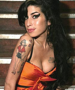 Amy Winehouse to pose nude for a Photoshoot