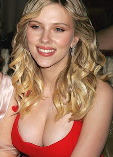 Scarlett Johansson is Engaged Now