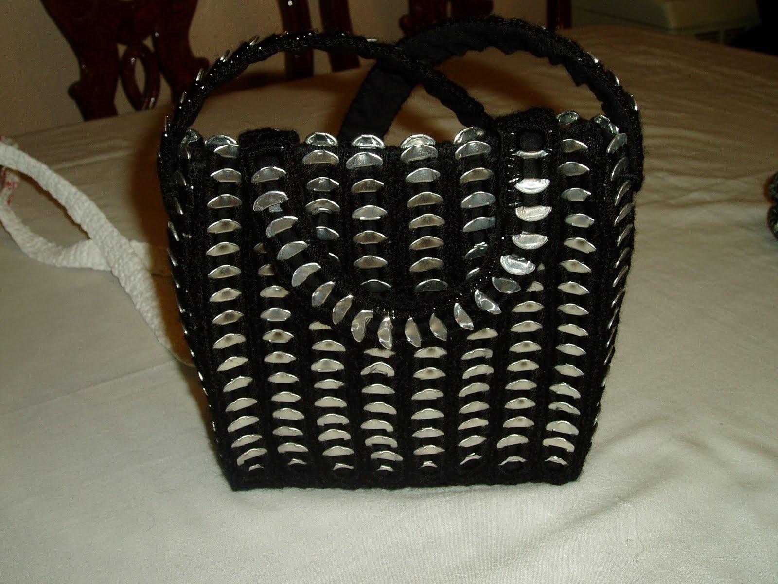 Ideas de Crochet: Bolsos hechos con chapas de latas