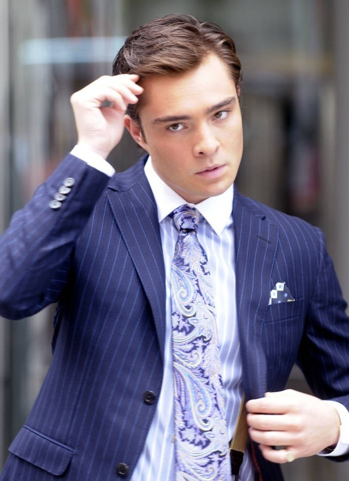 Outfit Chuck Buss - Pagina 2 Warning-Extremely-Hot-chuck-bass-7361088-695-956