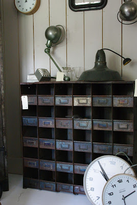 brocante 1515 mobilier industriel articles. Black Bedroom Furniture Sets. Home Design Ideas