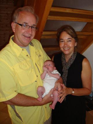 Oma und Opa mit Emma!!