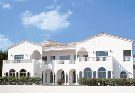 SRK House in Dubai http://chutpattabollywood.blogspot.com/2011/01/shah-rukhs-in-palm-villa.html