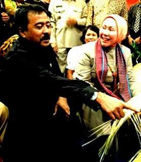 Banten Corruption Watch: Tangkap Koruptor Besar Banten Ratu atut Chosiyah dan Rano Karno!