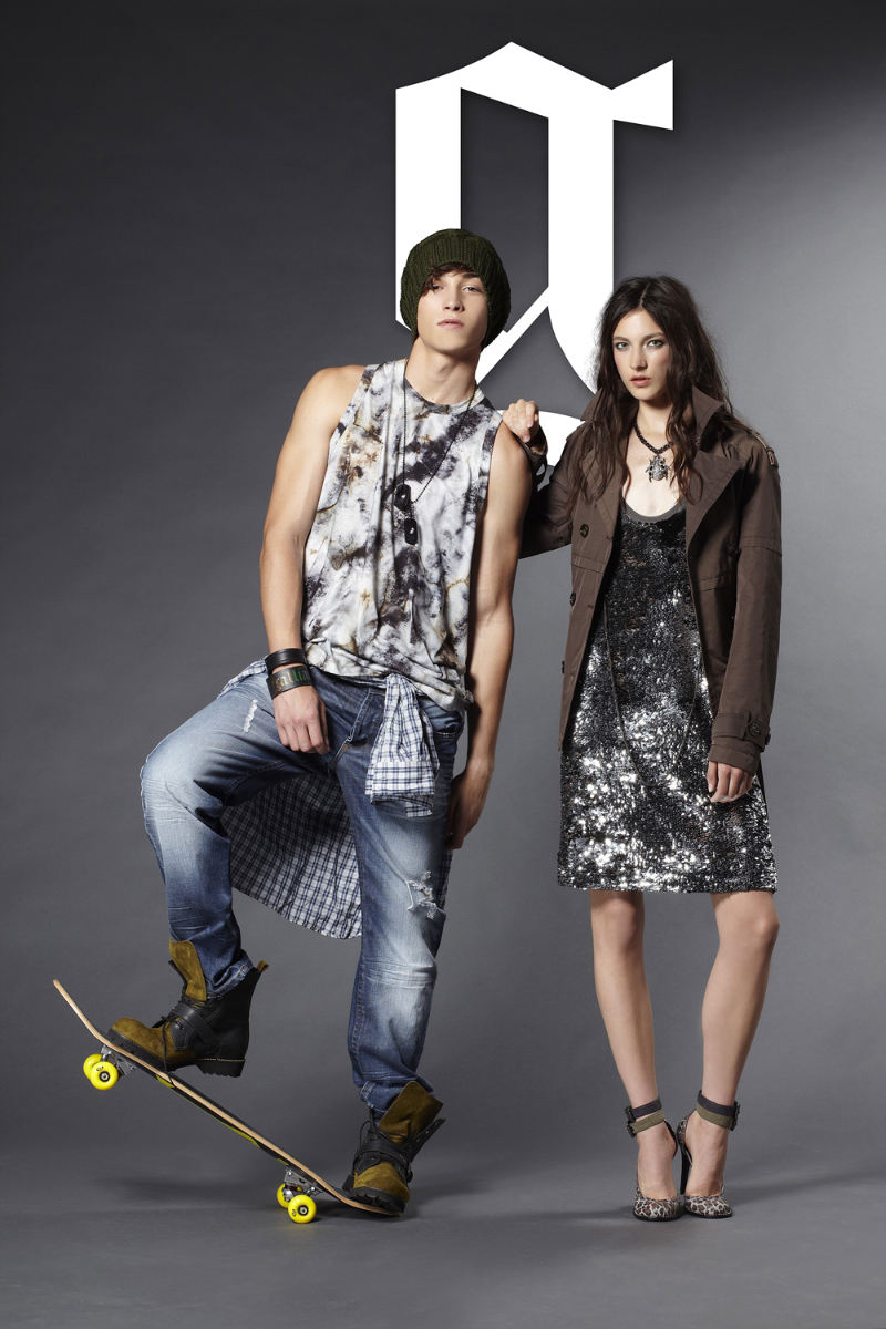 gallianospringlookbook2.jpg
