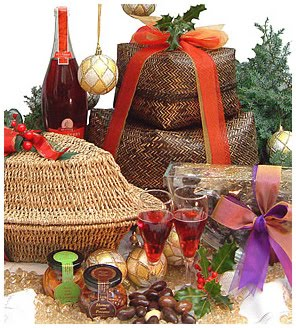 Christmas Cake Hamper Ideas : SWEET HOME DESIGN AND SPACE: Buying Christmas Gift Online ...
