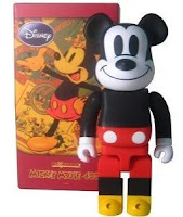 Medicom x Disney Mickey Mouse 400% and 1000% Be@rbrick Vinyl Figure and Packaging