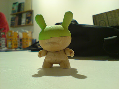 Kidrobot Dunny Series 2009 - Travis Cain Wood Dunny Hinged Chase Figure