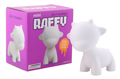 Mini MUNNYWORLD Do-It-Yourself 4 Inch Vinyl Figures - Raffy and Packaging