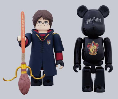 Harry Potter and the Deathly Hallows Part 1 100% Kubrick & Be@rbrick Set by Medicom - Quidditch Version Harry Potter Kubrick & Gryffindor Crest Be@rbrick