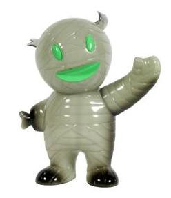 Secret Surprise New Year's Gray Ghost Mummy Boy with GID Inner by Super7