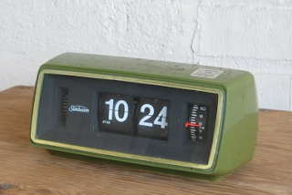 rhan vintage mid century modern blog vintage ge flip alarm clock. Black Bedroom Furniture Sets. Home Design Ideas